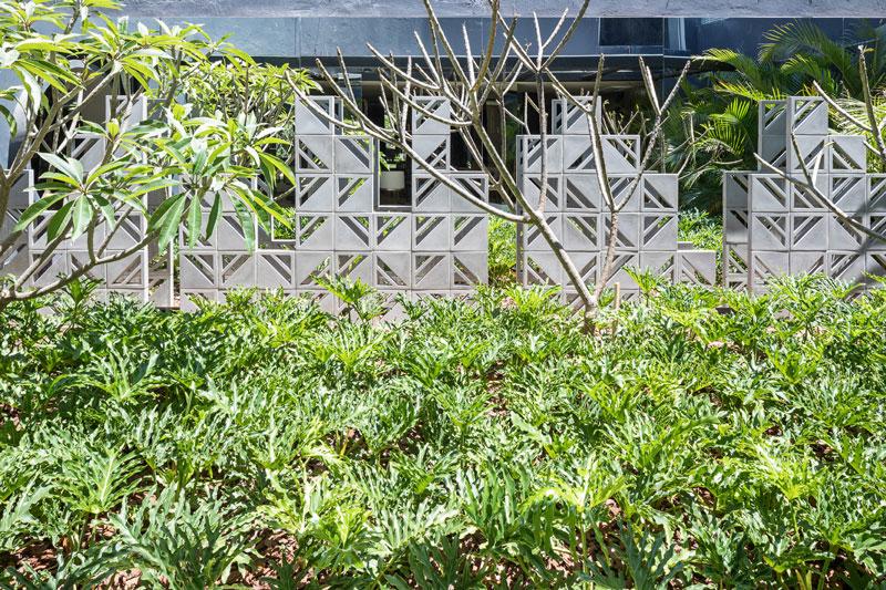 Cobogós Decortiles no Jardim Chef por Marina Pimentel CasaCor Brasília 2017