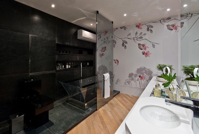 banheiro com parede preta decortiles-casa-cor-sc-2017-jj-design-laca-black-ac-90x90cm