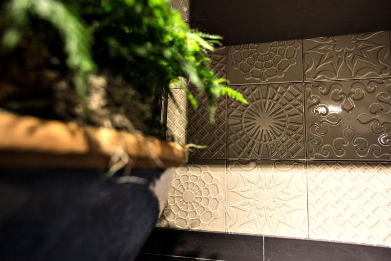decortiles-casa-cor-ms-2016-jamil-paroschi-junior-cozinha-patch-flow-greige-20x20cm