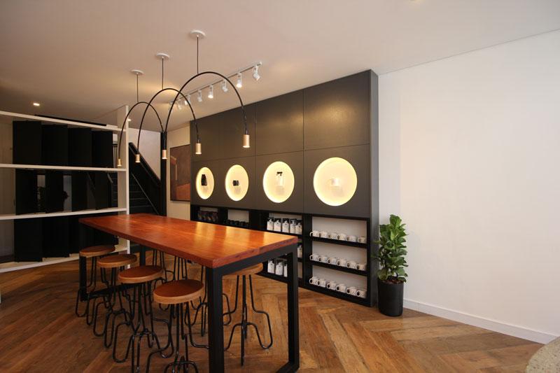 5-Porcelanato come feito de madeira Arbor Decortiles no Orna Café