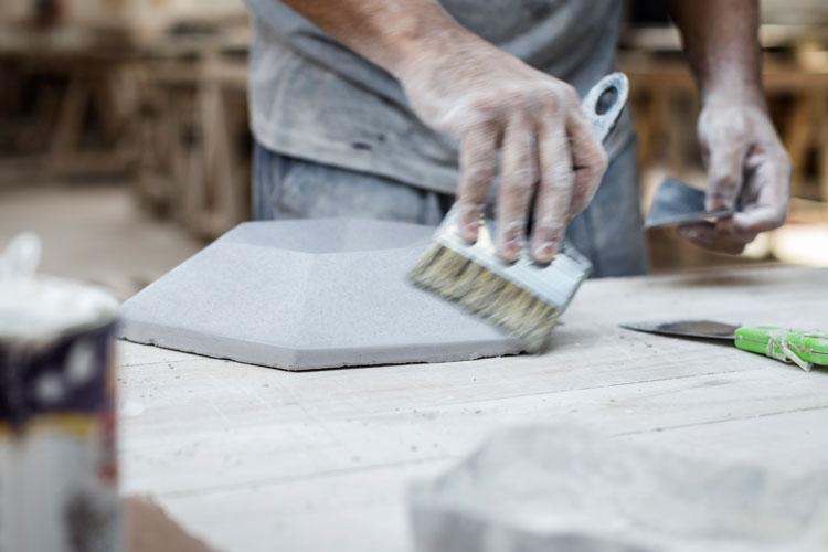 7 detalhes processo artesanal produção de revestimentos a base de cimento decortiles