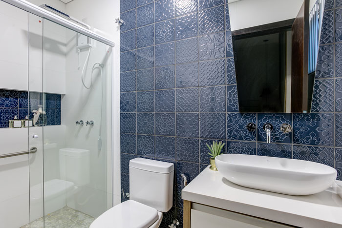 5 Azulejos Flow Smoky Blue Natural Branco Decortiles Projeto Andressa Borsato Interiores Fotos Felippe Lima