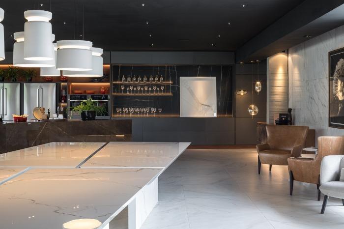 10 decortiles-casa-cor-brasilia-2018-choque-arquitetura-neocarrara-ac-90x90cm_calacata-po-120x240cm_dark-ac-120x240cm-foto-haruo-mikami