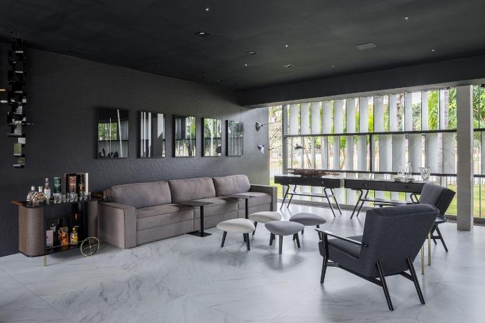 12 decortiles-casa-cor-brasilia-2018-choque-arquitetura-neocarrara-ac-90x90cm_grunge-petroleo-nat-80x80cm-foto-haruo-mikami