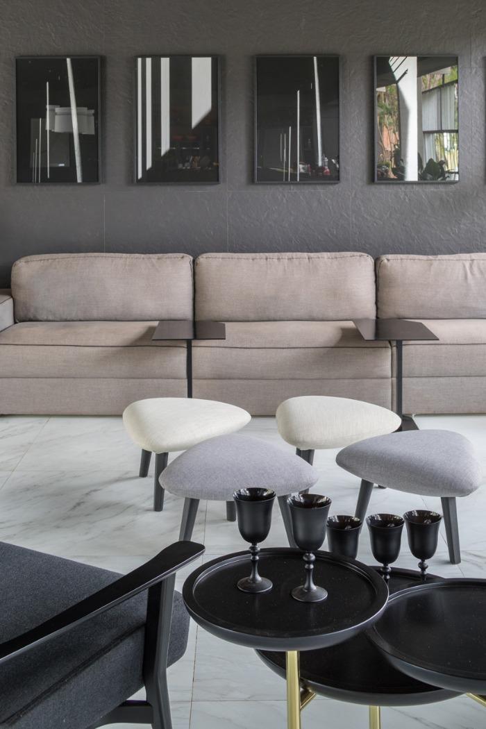 14 porcelanato texturizado decortiles-casa-cor-brasilia-2018-choque-arquitetura-neocarrara-ac-90x90cm_grunge-petroleo-nat-80x80cm-foto-haruo-mikami