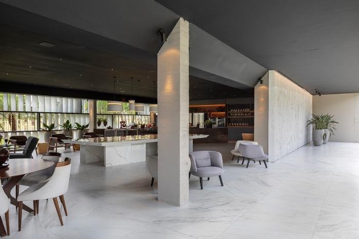 2 decortiles-casa-cor-brasilia-2018-choque-arquitetura-porcelanato-neocarrara-ac-90x90cm_porcelanato-calacata-po-120x240cm-foto-haruo-mikami
