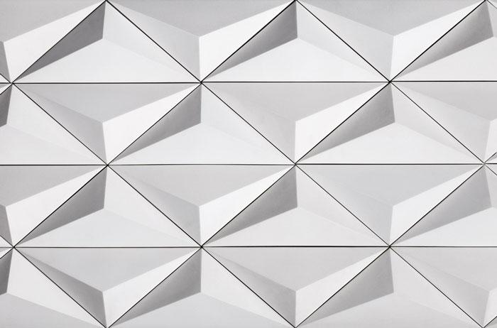 2 decortiles-revestimento-artesanal-cimento-triangulo-1-branco-26x60cm
