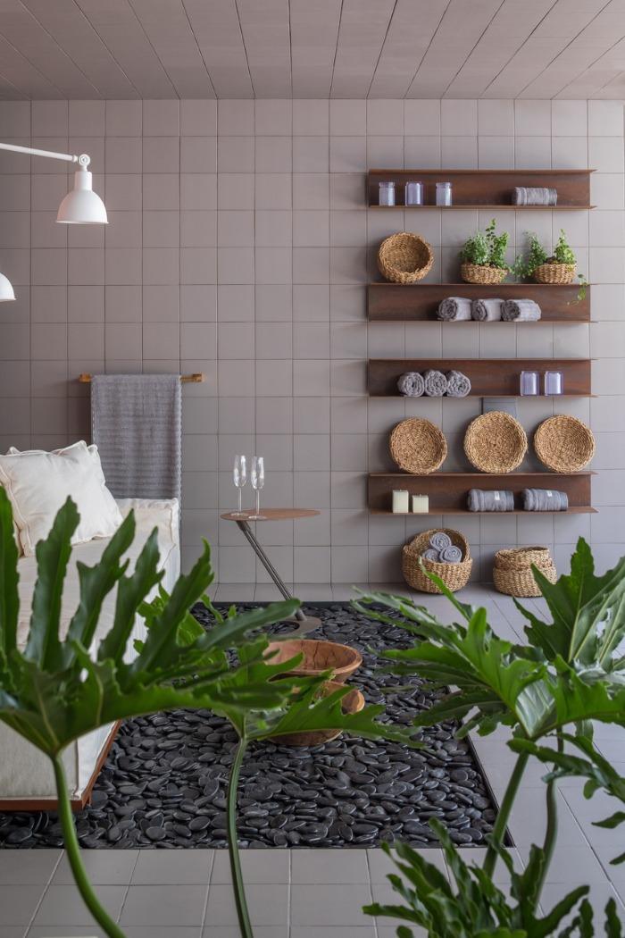 5 banheiro-revestimentos-decortiles-casa-cor-brasilia-2018-esquadras-arquitetos-twenty-deluxe-td-argento-185x185cm-foto-haruo-mikami