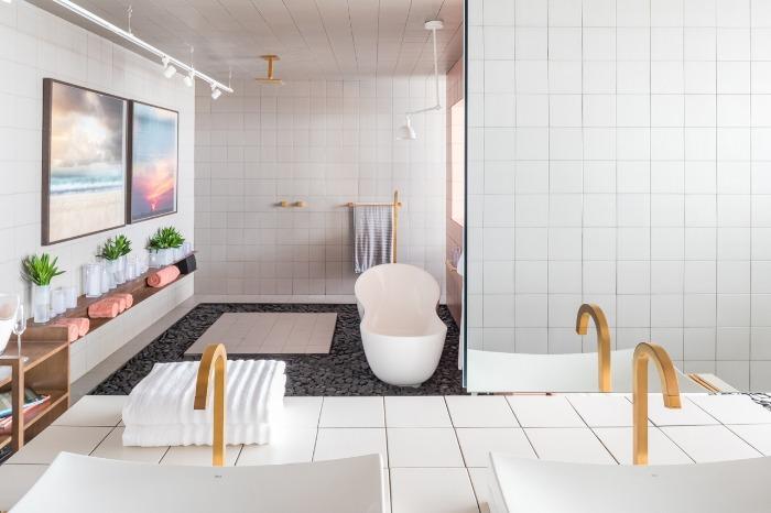 6 sala-de-banho-revestimentos-decortiles-casa-cor-brasilia-2018-esquadras-arquitetos-twenty-deluxe-td-argento_twenty-deluxe-td-nude-185x185cm-foto-haruo-mikami