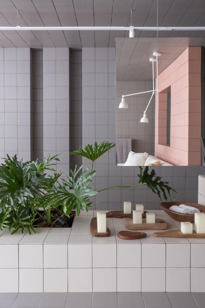 8 revestimentos-modernos-decortiles-casa-cor-brasilia-2018-esquadras-arquitetos-twenty-deluxe-td-argento_twenty-deluxe-td-rose-gold_twenty-deluxe-td-nude-185x185cm-foto-haruo-mikami