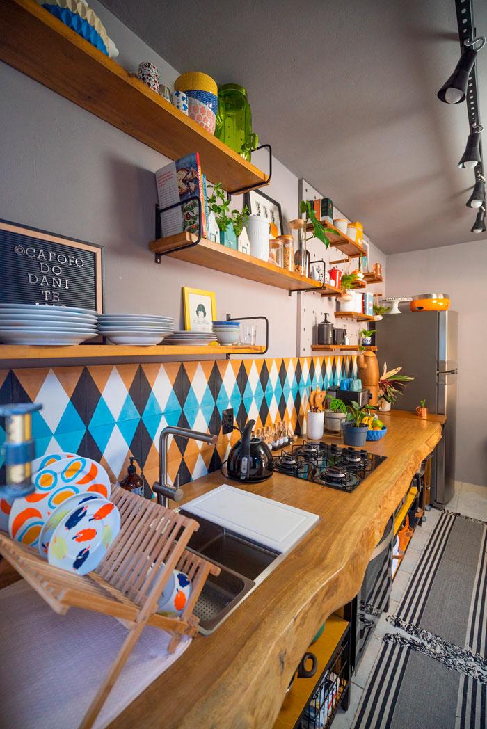 cozinha diycore com ladrilho hidráulico calu retrô decortiles
