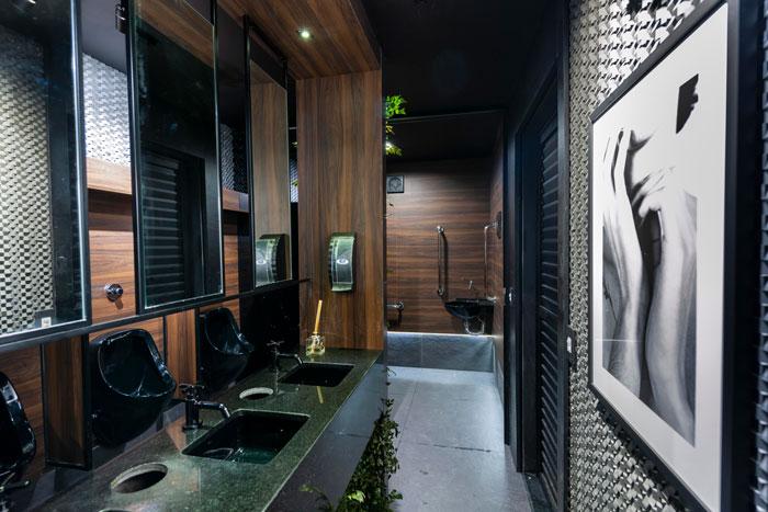 1 lavabo preto projeto Fernando Pandolfi