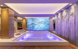 7 spa-indoor-decortiles-casa-cor-pe-2018-arquiteto-humberto-zipole-living-da-piscina-craft-woods-ac-120x240cm-foto-vilmar-costa