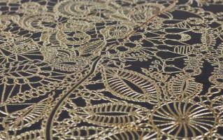 azulejo com detalhe rendado dourado effect decortiles