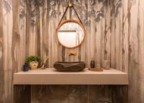 lavabo com porcelanato com paisagem decortiles  por Camilla Aguiar
