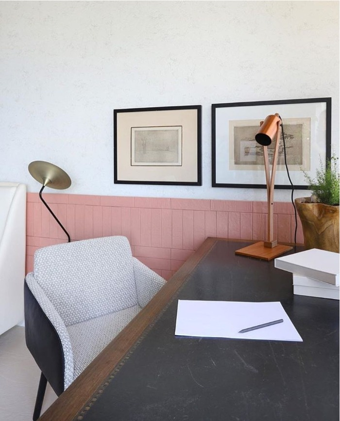 2 Cabeceira com revestimento rosa Brick Art Rose Gold Decortiles - Projeto Rocha e Rodrigues Arquitetos