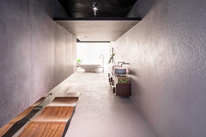 1 salas-de-banho-incríveis-decortiles-casa-cor-brasilia-priscila-magno-neves-city-zen-stone-portland-nat-60x120cm_hard-gray-ac-120x240cm-foto-haruo-mikami