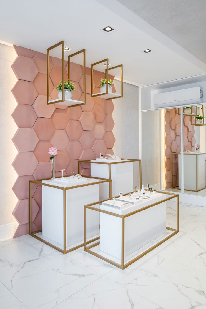 hexágono rose gold decortiles revestimento rosa artesanal showroom noah semijoias paraná projeto vp arquitetos